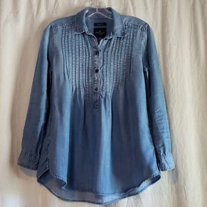 American Eagle tunic style top with pockets